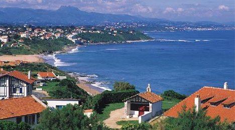 Vue sur la côte Basque proche de l'hôtel Olatua au Pays Basque